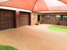 3 Bedroom House pending sale in Eldoraigne 1051867 : photo#0