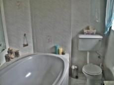 4 Bedroom House for sale in Beyerspark 1052044 : photo#4