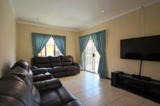 3 Bedroom Townhouse for sale in Mooikloof Ridge 1055073 : photo#14