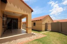 3 Bedroom Townhouse for sale in Mooikloof Ridge 1055073 : photo#19
