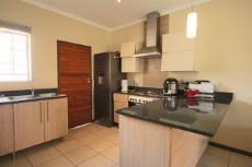 3 Bedroom Townhouse for sale in Mooikloof Ridge 1055073 : photo#17