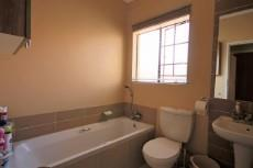 3 Bedroom Townhouse for sale in Mooikloof Ridge 1055073 : photo#8