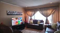 3 Bedroom Townhouse pending sale in Norkem Park 1059521 : photo#8
