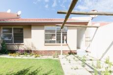 Townhouse for sale in Sunninghill 1063000 : photo#1
