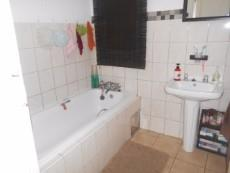 2 Bedroom Townhouse for sale in Clubview 1063243 : photo#11