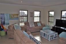 4 Bedroom House sold in Pringle Bay 1063548 : photo#5