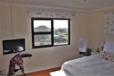 4 Bedroom House sold in Pringle Bay 1063548 : photo#15