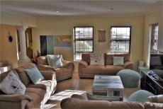 4 Bedroom House sold in Pringle Bay 1063548 : photo#3