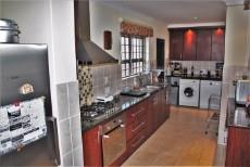 4 Bedroom House sold in Pringle Bay 1063548 : photo#9