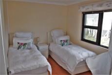 4 Bedroom House sold in Pringle Bay 1063548 : photo#17