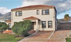 4 Bedroom House sold in Pringle Bay 1063548 : photo#28