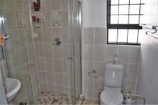 4 Bedroom House sold in Pringle Bay 1063548 : photo#19