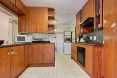 3 Bedroom House sold in Garsfontein 1064193 : photo#3