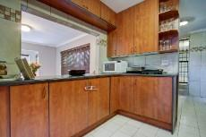 3 Bedroom House sold in Garsfontein 1064193 : photo#5