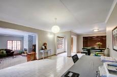 3 Bedroom House sold in Garsfontein 1064193 : photo#9