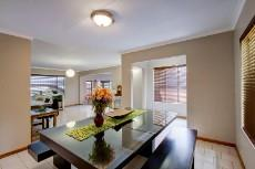 3 Bedroom House sold in Garsfontein 1064193 : photo#2
