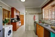 3 Bedroom House sold in Garsfontein 1064193 : photo#7