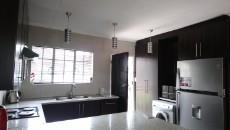 3 Bedroom Townhouse pending sale in Norkem Park 1064195 : photo#3