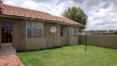 3 Bedroom Townhouse pending sale in Norkem Park 1064195 : photo#18