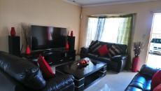 3 Bedroom Townhouse pending sale in Norkem Park 1064195 : photo#7