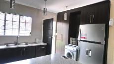 3 Bedroom Townhouse pending sale in Norkem Park 1064195 : photo#4