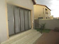 3 Bedroom House for sale in Thatchfield Estate 1065040 : photo#3