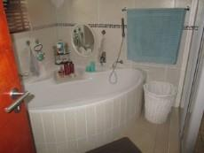 3 Bedroom House for sale in Thatchfield Estate 1065040 : photo#24