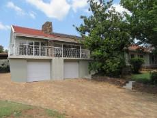 3 Bedroom House for sale in Florida Hills 1065046 : photo#0