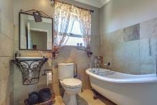 4 Bedroom House for sale in Florida Glen 1065716 : photo#14