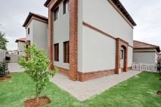 4 Bedroom House for sale in Olympus 1066742 : photo#35
