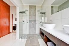 4 Bedroom House for sale in Olympus 1066742 : photo#15