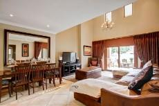 4 Bedroom House for sale in Olympus 1066742 : photo#3