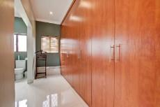 4 Bedroom House for sale in Olympus 1066742 : photo#14