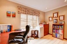 4 Bedroom House for sale in Olympus 1066742 : photo#28
