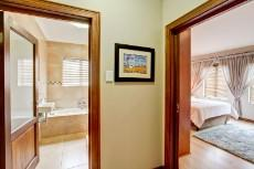 4 Bedroom House for sale in Olympus 1066742 : photo#26