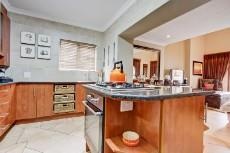4 Bedroom House for sale in Olympus 1066742 : photo#7