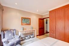 4 Bedroom House for sale in Olympus 1066742 : photo#24