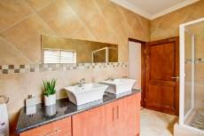 4 Bedroom House for sale in Olympus 1066742 : photo#22