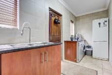 4 Bedroom House for sale in Olympus 1066742 : photo#8