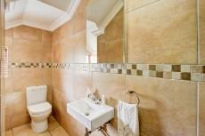 4 Bedroom House for sale in Olympus 1066742 : photo#30