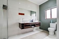 4 Bedroom House for sale in Olympus 1066742 : photo#18
