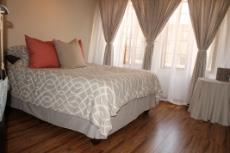 3 Bedroom House for sale in Olympus 1066990 : photo#11