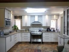 3 Bedroom House for sale in Garsfontein Ext 10 1068015 : photo#3