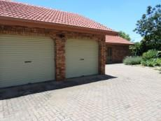 3 Bedroom House for sale in Garsfontein Ext 10 1068015 : photo#17