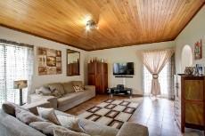 3 Bedroom House pending sale in Garsfontein 1068933 : photo#5