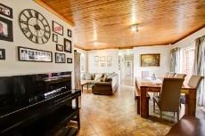 3 Bedroom House pending sale in Garsfontein 1068933 : photo#7