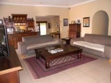 4 Bedroom House for sale in Die Wilgers 1070568 : photo#2