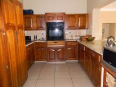 4 Bedroom House for sale in Die Wilgers 1070568 : photo#4
