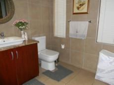 4 Bedroom House for sale in Die Wilgers 1070568 : photo#12