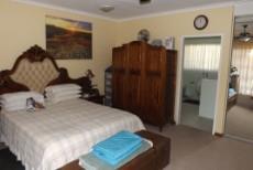 4 Bedroom House for sale in Die Wilgers 1071411 : photo#19